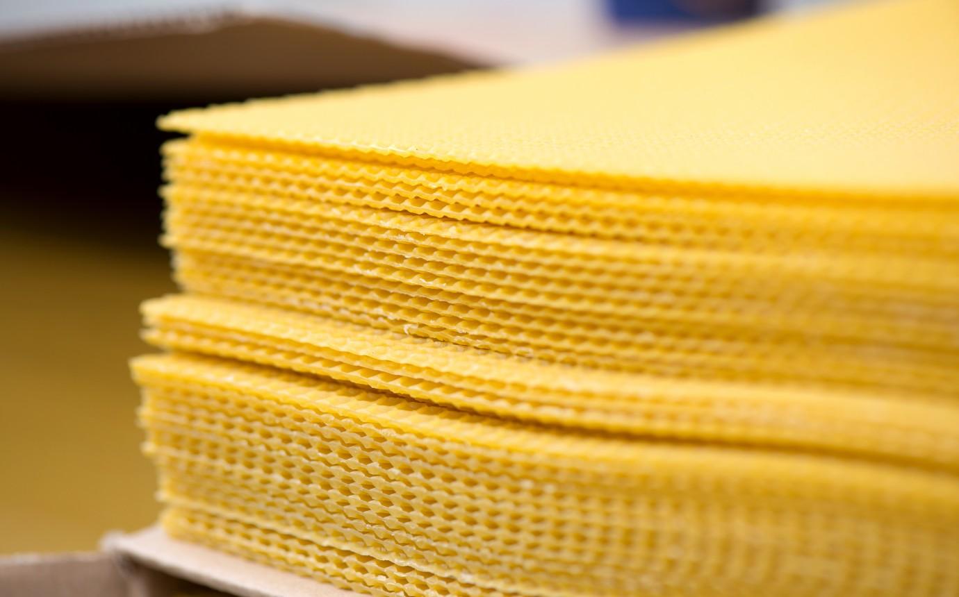 Bienenwachsplatten Infos Kaufen Für Wickel Und Kerzen